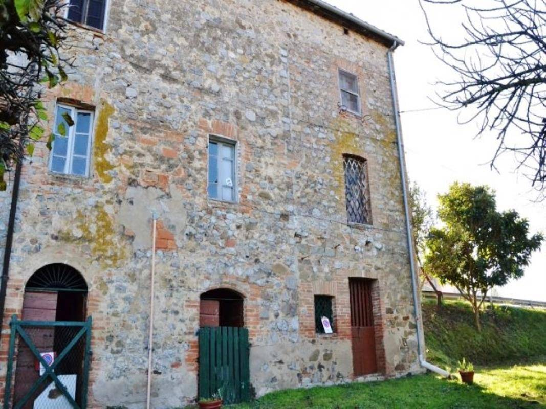 €47k Italian Stone House for Sale in Monteleone d'Orvieto, Umbria Property for sale in Italy