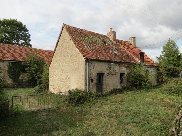 €37k for TWO ancient farmhouse properties in France. Full renovation, only for the brave! Live the dream of retiring or just escaping to France.. Like & follow us on Facebook for regular updates, treasures & finds for under €50k in France & Italy! https://www.facebook.com/PropertyUpTo50kItalyFranceEU